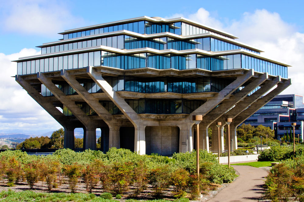 The outside of UC San Diego Library