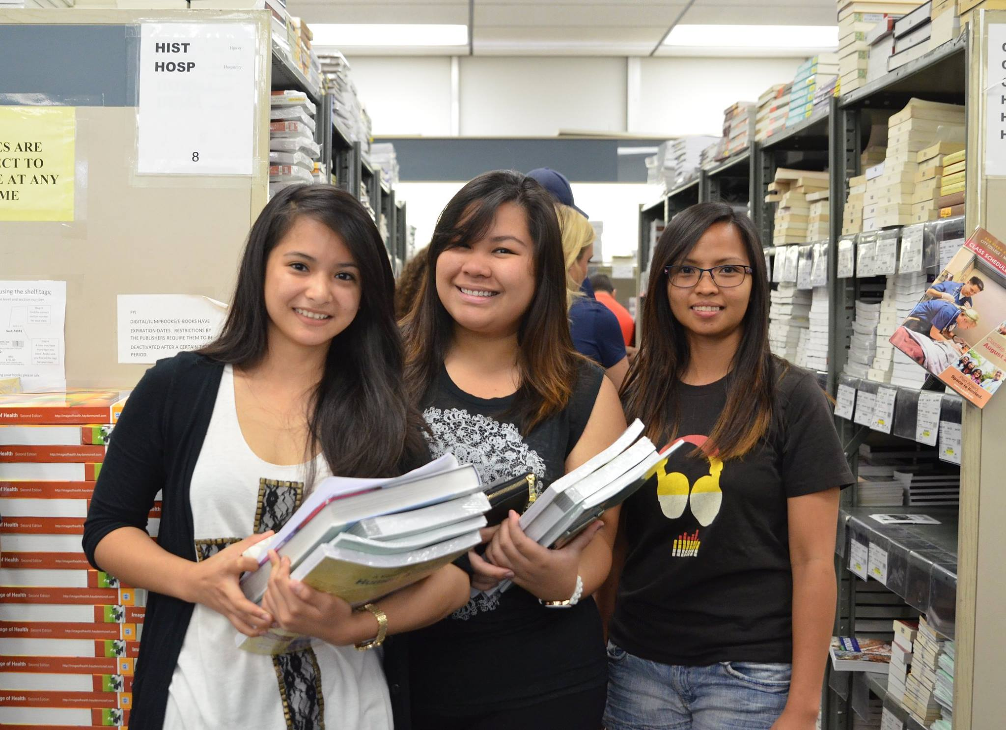 Students at the San Diego Mesa College bookstore