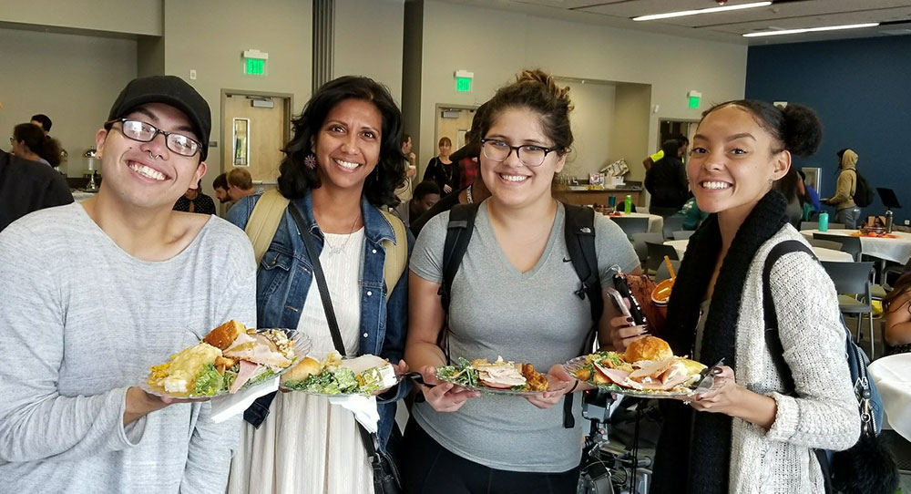 Mesa College hosts Thanksgiving Dinner