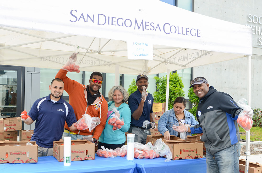 Free Farmers market at Mesa College