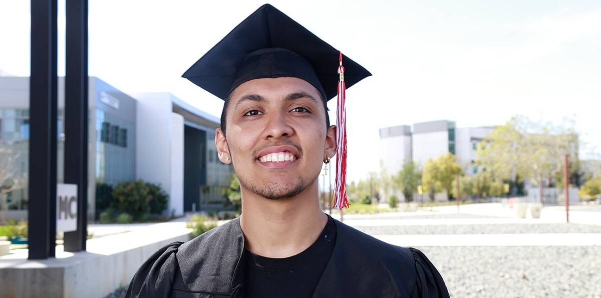 City College graduate underscores San Diego Promise success Featured Image