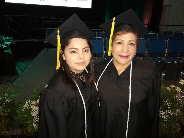 Grandmother returns to school to graduate alongside daughter, grandchildren Featured Image