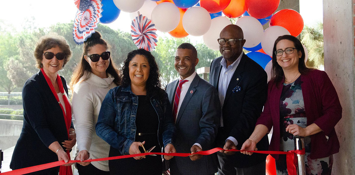 City College celebrates grand opening of Veterans Service Center Featured Image